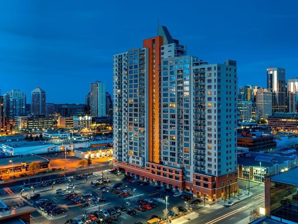 Main Photo: 2205 1053 10 Street SW in Calgary: Beltline Apartment for sale : MLS®# A1121668