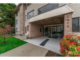"""Photo 2: 303 1410 BLACKWOOD Street: White Rock Condo for sale in """"CHELSEA HOUSE"""" (South Surrey White Rock)  : MLS®# R2257779"""