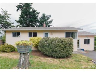 Photo 2: 3398 Hatley Dr in VICTORIA: Co Lagoon House for sale (Colwood)  : MLS®# 674855