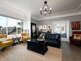 Photo 2: 2737 Satellite St in : OB South Oak Bay House for sale (Oak Bay)  : MLS®# 870792