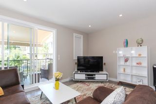 Photo 2: 60 15588 32 AVENUE in South Surrey White Rock: Home for sale : MLS®# R2184132