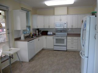 """Photo 5: 107 12148 224 Street in Maple Ridge: East Central Condo for sale in """"PANORAMA"""" : MLS®# R2153257"""