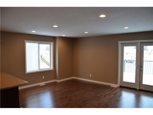 Photo 3: Photos: 9212 102 Avenue in Fort St. John: Fort St. John - City NE 1/2 Duplex for sale (Fort St. John (Zone 60))  : MLS®# N232123