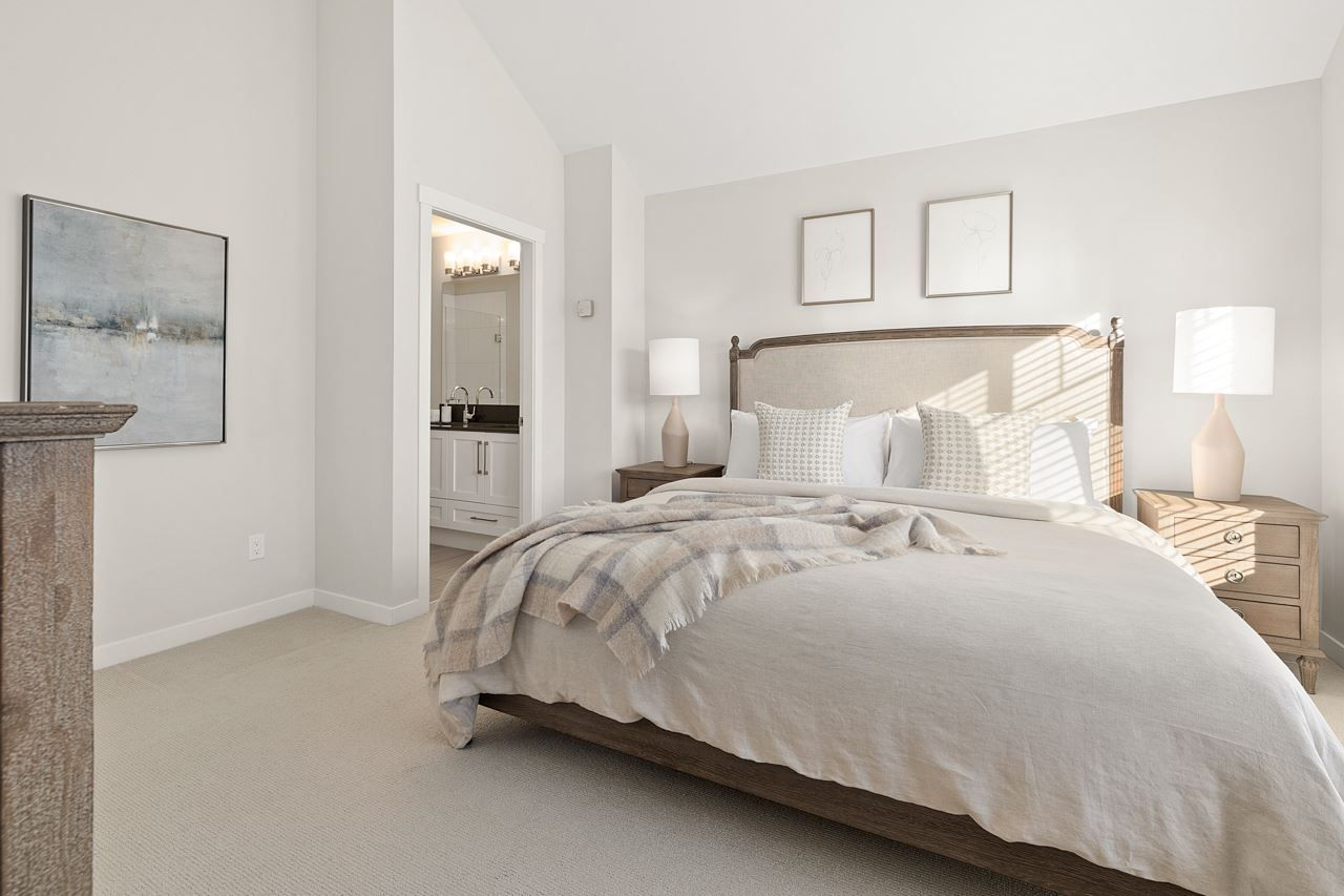 "Photo 16: Photos: 2452 165 Street in Surrey: Grandview Surrey Condo for sale in ""Hycroft"" (South Surrey White Rock)  : MLS®# R2545917"