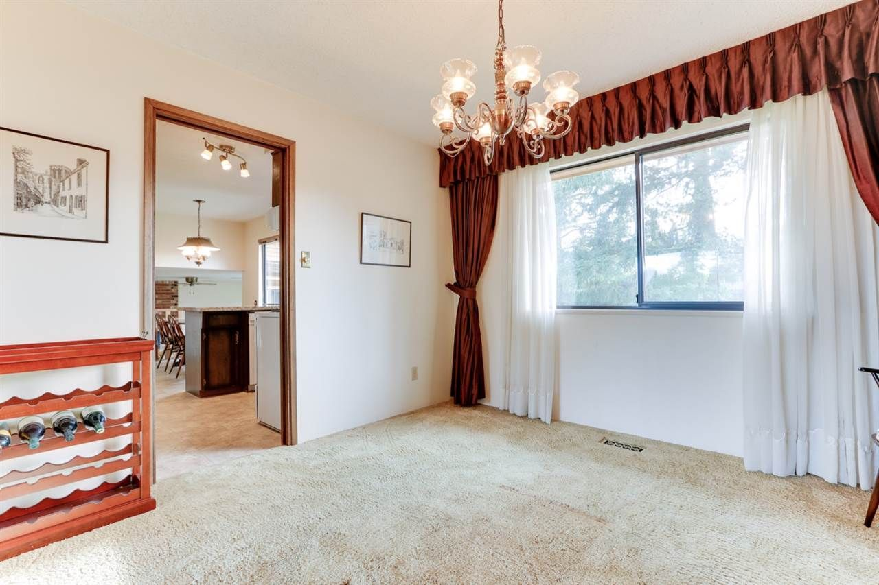 """Photo 12: Photos: 5314 2 Avenue in Delta: Pebble Hill House for sale in """"PEBBLE HILL"""" (Tsawwassen)  : MLS®# R2527757"""