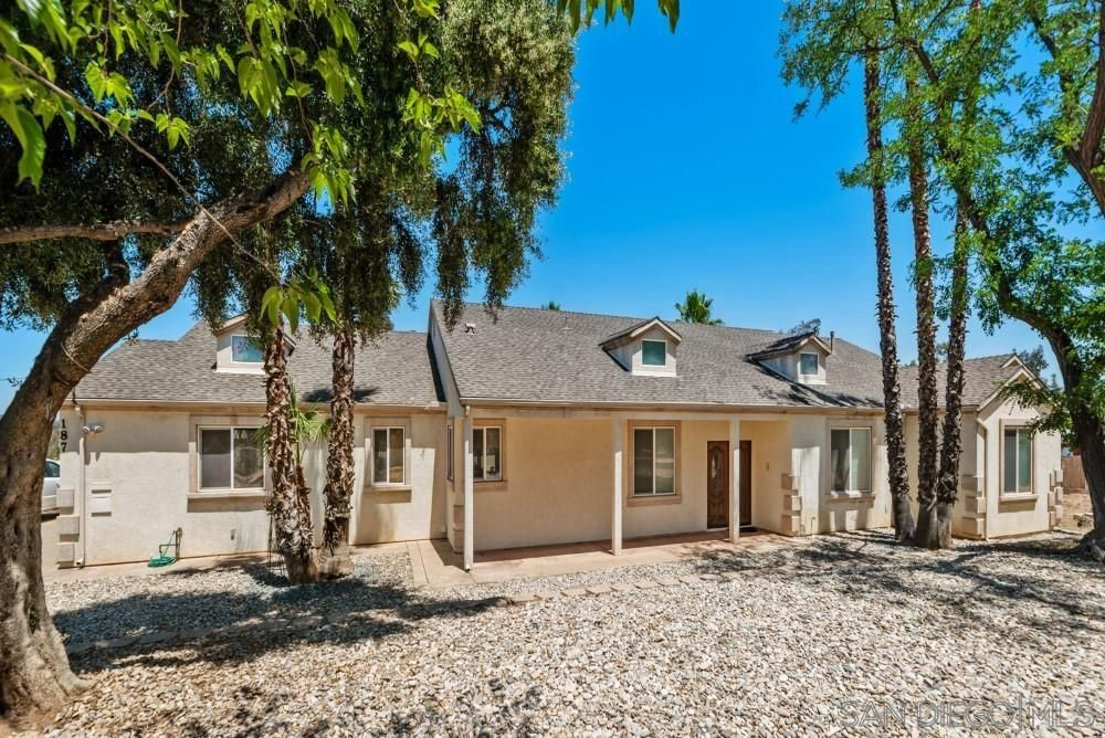 Main Photo: RAMONA House for sale : 5 bedrooms : 187 Hillcrest Lane