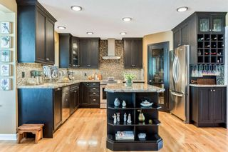 Photo 13: 119 Sierra Morena Place SW in Calgary: Signal Hill Detached for sale : MLS®# A1138838