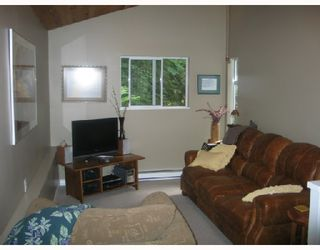 "Photo 4: 7652 SECHELT INLET Road in Sechelt: Sechelt District House for sale in ""TUWANEK"" (Sunshine Coast)  : MLS®# V715033"