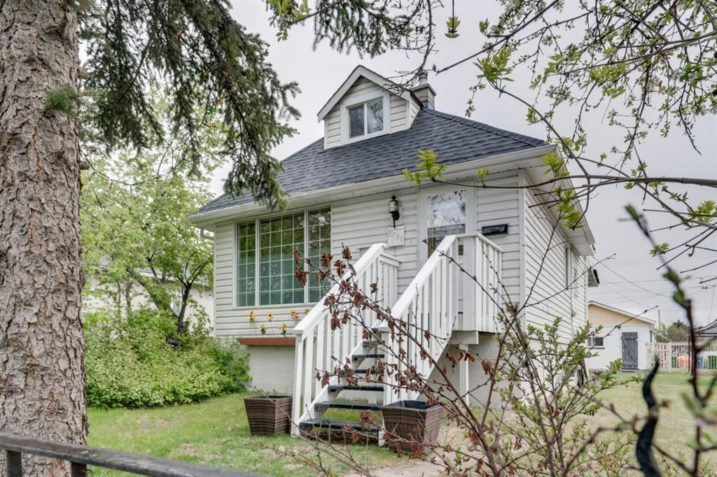Main Photo: 2736 16A Street SE in Calgary: Inglewood Detached for sale : MLS®# A1107671