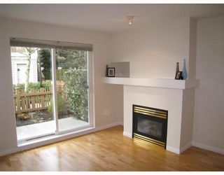 "Photo 3: 34 7088 LYNNWOOD Drive in Richmond: Granville Townhouse for sale in ""LAURELWOOD"" : MLS®# V752046"