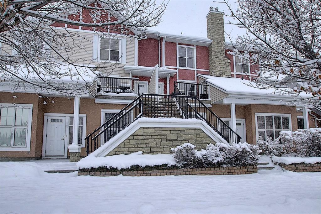 Main Photo: 768 73 Street SW in Calgary: West Springs Row/Townhouse for sale : MLS®# A1044053