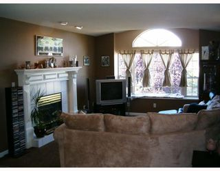 Photo 3: 22950 Purdey Avenue in Maple_Ridge: East Central House for sale (Maple Ridge)  : MLS®# V659498
