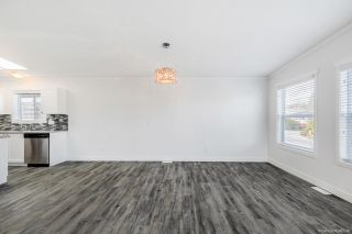 """Photo 25: 23 2303 CRANLEY Drive in Surrey: King George Corridor Manufactured Home for sale in """"Sunnyside Estates"""" (South Surrey White Rock)  : MLS®# R2550516"""