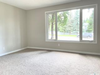 Photo 3: 313 La Ronge Road in Saskatoon: River Heights SA Residential for sale : MLS®# SK859361