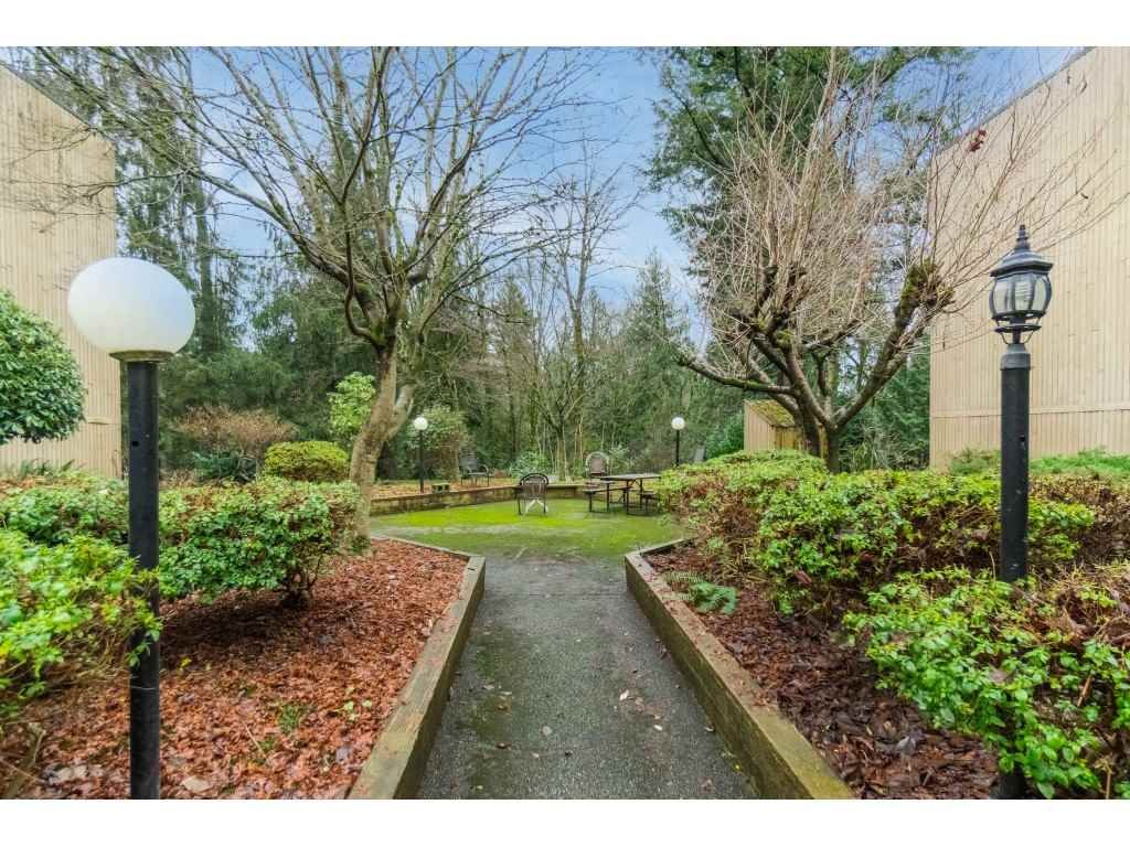 """Photo 34: Photos: 113 33400 BOURQUIN Place in Abbotsford: Central Abbotsford Condo for sale in """"Bakerview Place"""" : MLS®# R2523982"""