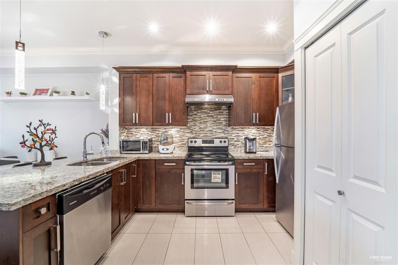 """Main Photo: 202 7159 STRIDE Avenue in Burnaby: Edmonds BE Townhouse for sale in """"SAGE"""" (Burnaby East)  : MLS®# R2559160"""