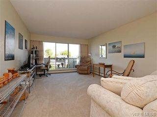 Photo 2: 309 25 Government St in VICTORIA: Vi James Bay Condo for sale (Victoria)  : MLS®# 741219
