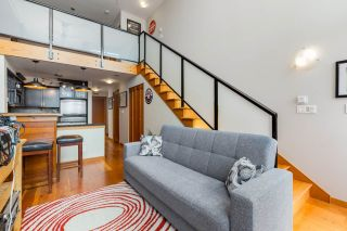 """Photo 3: 514 10 RENAISSANCE Square in New Westminster: Quay Condo for sale in """"MURANO LOFTS"""" : MLS®# R2468870"""