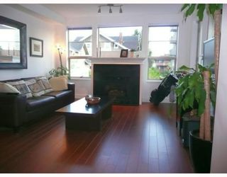 """Photo 4: 208 2490 W 2ND Avenue in Vancouver: Kitsilano Condo for sale in """"THE TRINITY"""" (Vancouver West)  : MLS®# V766577"""