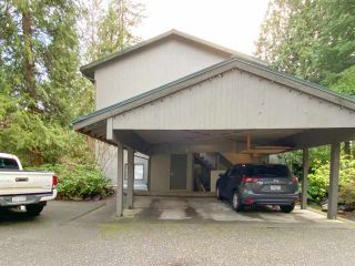 """Main Photo: 2917 CAPILANO Road in North Vancouver: Capilano NV Townhouse for sale in """"CEDAR CRESCENT PLACE"""" : MLS®# R2546005"""