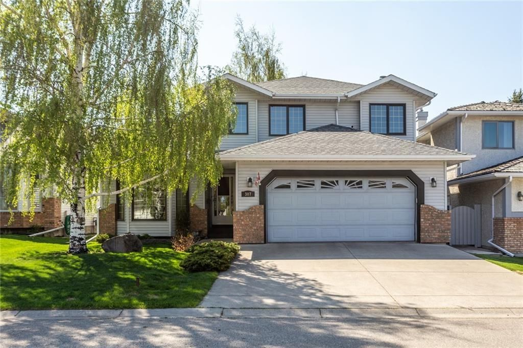 Main Photo: 307 DOUGLASBANK Place SE in Calgary: Douglasdale/Glen Detached for sale : MLS®# C4232751