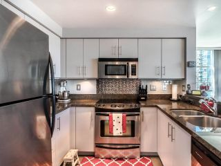 """Photo 11: 1301 189 NATIONAL Avenue in Vancouver: Downtown VE Condo for sale in """"SUSSEX"""" (Vancouver East)  : MLS®# R2590311"""
