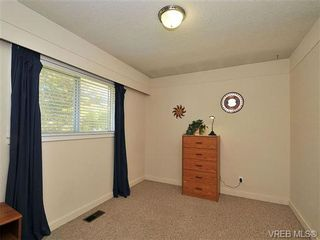 Photo 13: 2415 Oregon Ave in VICTORIA: Vi Fernwood House for sale (Victoria)  : MLS®# 657064