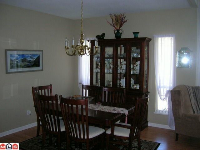 """Photo 3: Photos: 16 9025 216TH Street in Langley: Walnut Grove Townhouse for sale in """"COVENTRY WOODS"""" : MLS®# F1006312"""