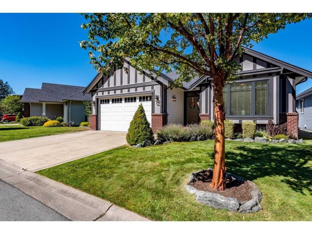Main Photo: 45843 FOXRIDGE Crescent in Chilliwack: Vedder S Watson-Promontory House for sale (Sardis)  : MLS®# R2496860