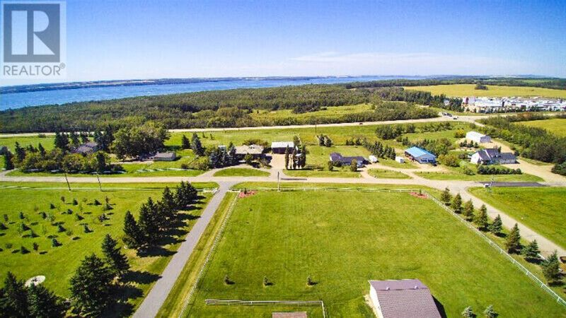 FEATURED LISTING: Kayton Estates Rural Red Deer County