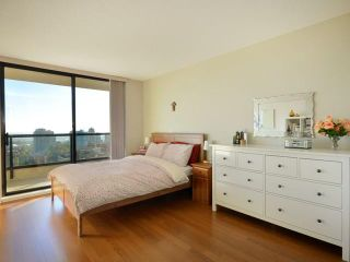 """Photo 6: 2206 7063 HALL Avenue in Burnaby: Highgate Condo for sale in """"EMERSON"""" (Burnaby South)  : MLS®# V929818"""
