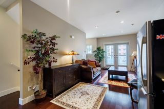 """Photo 3: 106 3382 VIEWMOUNT Drive in Port Moody: Port Moody Centre Townhouse for sale in """"LILLIUM VILAS"""" : MLS®# R2609444"""