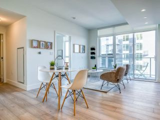 """Photo 5: 1301 8570 RIVERGRASS Drive in Vancouver: South Marine Condo for sale in """"AVALON PARK 2 - RIVER DISTRICT"""" (Vancouver East)  : MLS®# R2444110"""