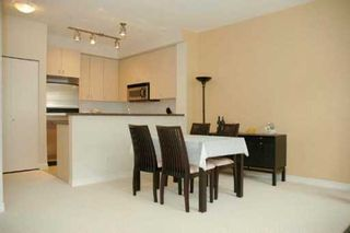 """Photo 3: 24 6878 SOUTHPOINT DR in Burnaby: South Slope Townhouse for sale in """"CORTINA"""" (Burnaby South)  : MLS®# V607740"""