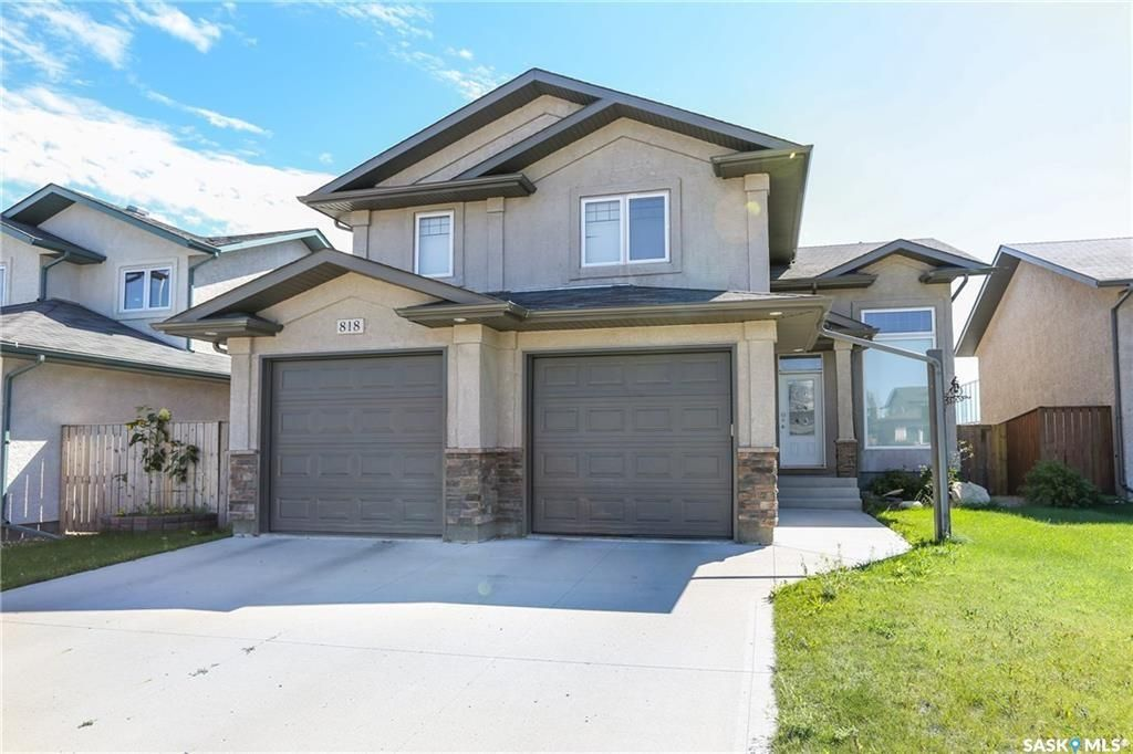 Main Photo: 818 Columbia Way in Martensville: Residential for sale : MLS®# SK852573