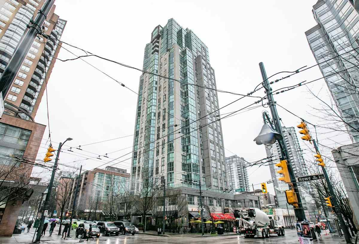 Main Photo: 805 1188 HOWE Street in Vancouver: Downtown VW Condo for sale (Vancouver West)  : MLS®# R2337040