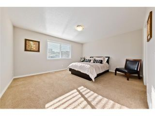 Photo 7: 166 CRESTMONT Drive SW in Calgary: Crestmont House for sale : MLS®# C4039400