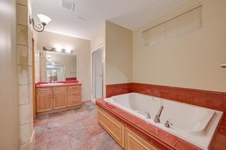 Photo 40: 227 LINDSAY Crescent in Edmonton: Zone 14 House for sale : MLS®# E4265520