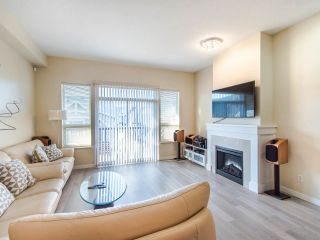 """Photo 4: 149 3105 DAYANEE SPRINGS Boulevard in Coquitlam: Westwood Plateau Townhouse for sale in """"WHITE TAIL LANE"""" : MLS®# R2443110"""