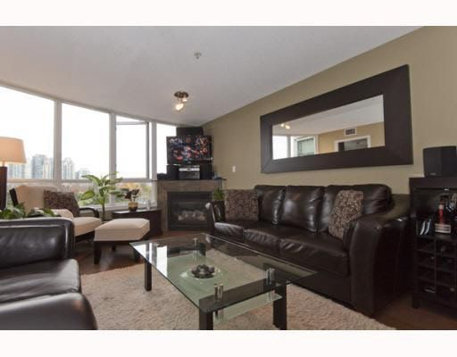 Main Photo: 308 63 KEEFER PLACE in : Downtown VW Condo for sale : MLS®# V796920