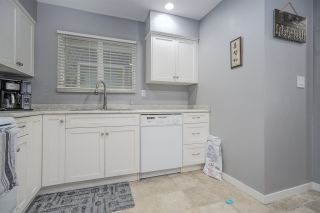 """Photo 8: 3386 MARQUETTE Crescent in Vancouver: Champlain Heights Townhouse for sale in """"CHAMPLAIN RIDGE"""" (Vancouver East)  : MLS®# R2468403"""