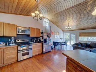 "Photo 11: 5918 SUNSHINE COAST Highway in Sechelt: Sechelt District House for sale in ""DOWNTOWN SECHELT"" (Sunshine Coast)  : MLS®# R2585676"