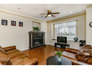 Photo 4: 7522 1ST Street in Burnaby: East Burnaby 1/2 Duplex for sale (Burnaby East)  : MLS®# R2381527