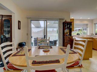 Photo 18: 2870 ROBINSON Road: Roberts Creek House for sale (Sunshine Coast)  : MLS®# R2598267