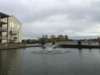 Photo 3: 1808 1 RENAISSANCE SQUARE in New Westminster: Quay Condo for sale : MLS®# R2014289