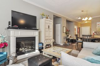 Photo 3: 101 20281 53A Avenue in Langley: Langley City Condo for sale : MLS®# R2444359