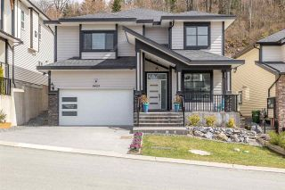 Photo 1: 8483 FOREST GATE Drive in Chilliwack: Eastern Hillsides House for sale : MLS®# R2559340