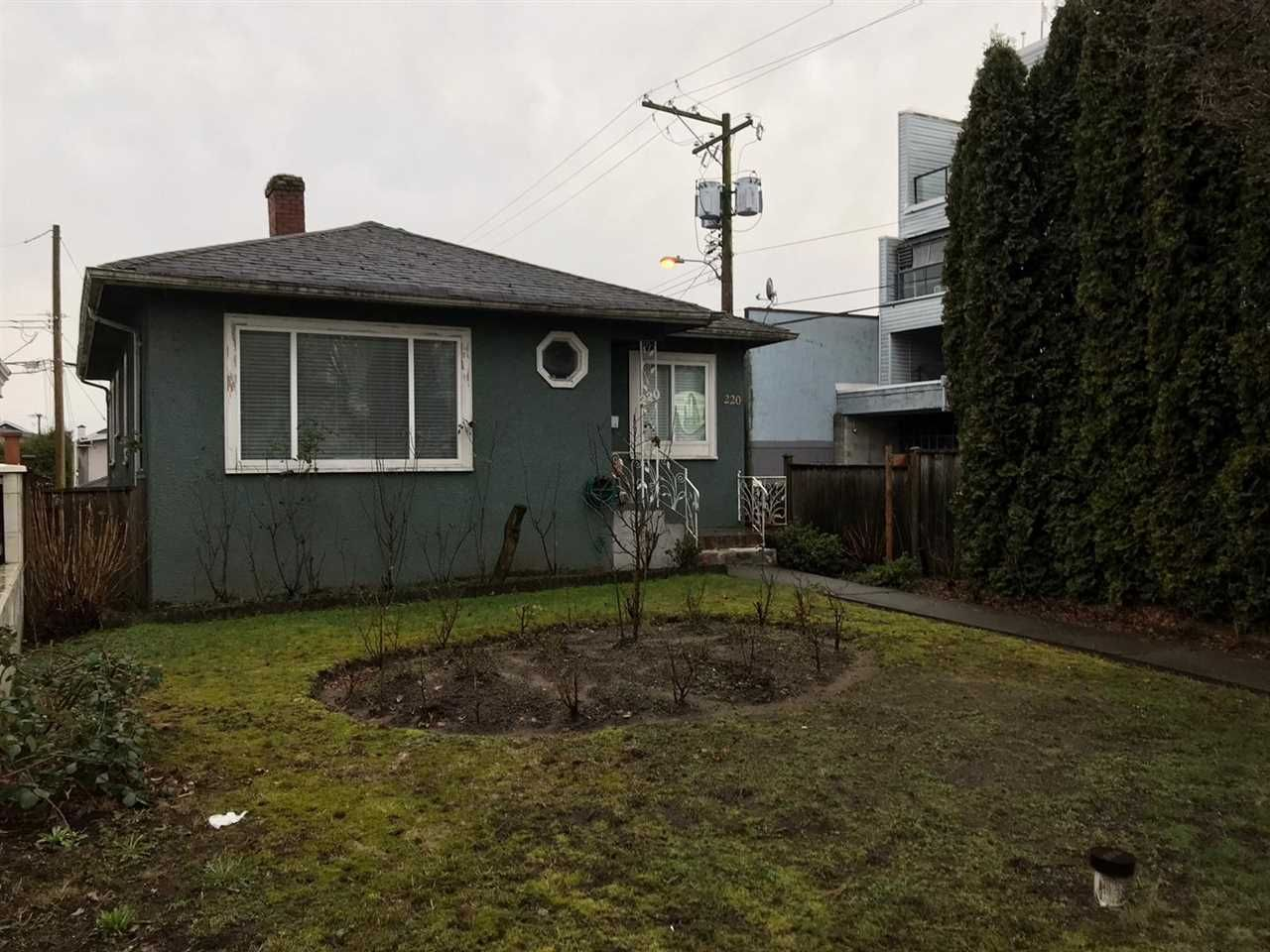 Main Photo: 220 E 49TH Avenue in Vancouver: South Vancouver House for sale (Vancouver East)  : MLS®# R2549802
