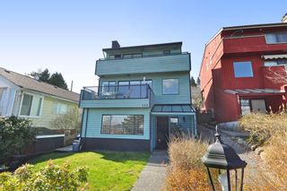 Photo 2: 115 N HOLDOM Avenue in Burnaby: Capitol Hill BN House for sale (Burnaby North)  : MLS®# R2152948