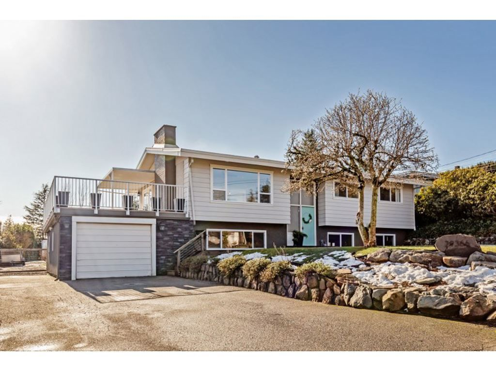 Main Photo: 29366 Duncan Avenue in Abbotsford: Aberdeen House for sale : MLS®# R2539735
